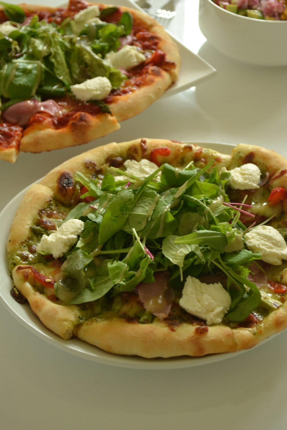 自家製冷凍ピザ生地DE★ジェノベーゼソースのサラダピザ★