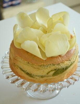 ホワイトチョコのお花DE★抹茶のスフレバターケーキ★